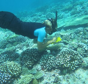 lux*-maldives-reinforces-local-support-for-coral-reefs-conservation