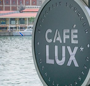 café-lux*-opens-at-caudan-waterfront