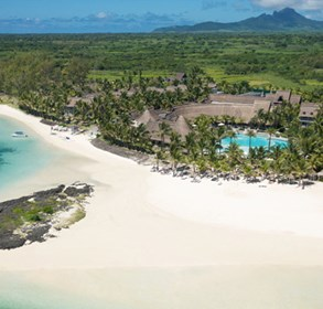 lux*-resorts-&-hotels-was-awarded-best-mauritian-hotel-group-at-the-recent-mauritius-tourism-awards-ceremony